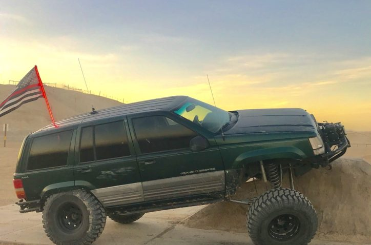 1997 Jeep Grand Cherokee rock crawler