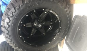 22″ Fuel Off-Road Wheels with 40″ Toyo MT Tires